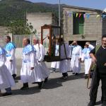 """confratelli di Maria e Gesu' Cristo """"cunfrades de Nostra Signora e de Zesu Cristu"""" durante la processione di san Marco"""